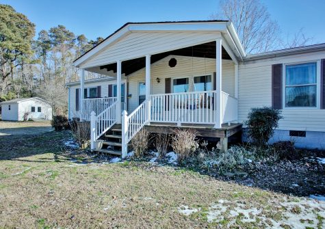 55 Captain Genes Rd, Port Haywood, VA 23138