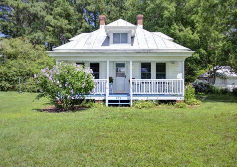 2141 Perrin Creek Rd, Hayes, VA 23071